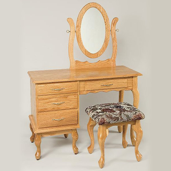 Queen Ann Dressing Table with 811 Stool