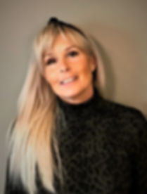 Tina profilbilde TLS041019_edited.jpg