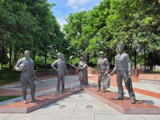 Cumberland Square Park War Memorial Bristol, Va.