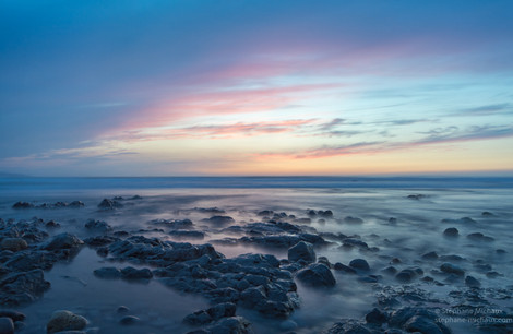 Piscine d'eau de mer au coucher de soleil