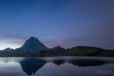 Constellation d'Orion, pic d'Ossau et lac d'Ayous