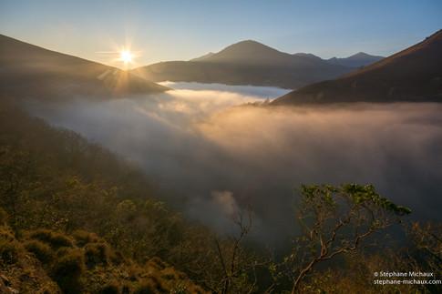 Mer de nuages au lever de soleil vers Saint Etienne de Baigorry