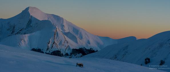 Le pic d'Orhy au coucher de soleil l'hiver
