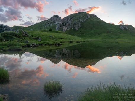 Lago Di Valparola et lumière du crépuscule