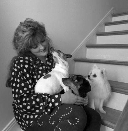Wynonna with Loretta Lynn, Elvis, and Little Bit