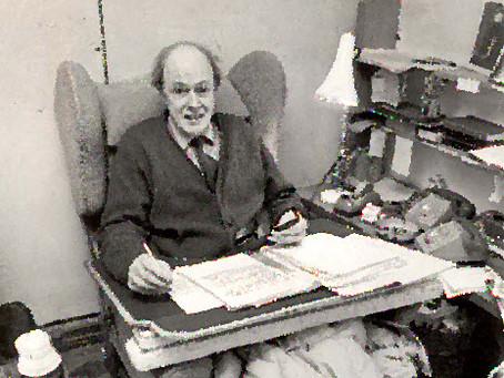 Roald Dalh writing desk for 21st Century?