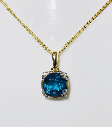 9ct yellow gold blue topaz pendant