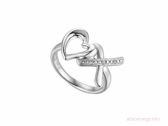 'Hearts and kisses' ring
