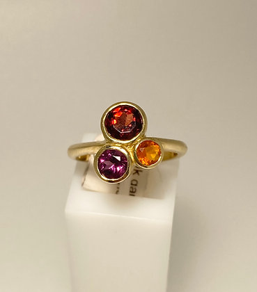 9ct garnet and opal ring