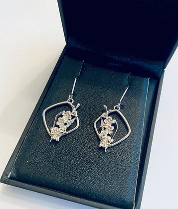 Ortak gladiolus earrings