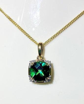 9ct yellow gold green topaz pendant
