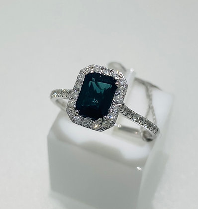 18ct blue tourmaline/diamond ring