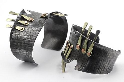 Iron and bronze bracelet
