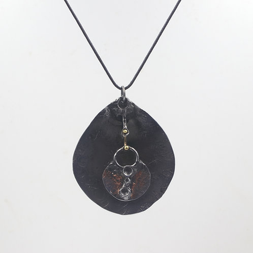Iron Necklace With Inlay