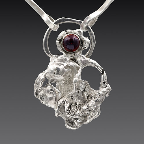 Drop Cast Necklace With Garnet