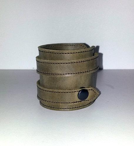 Bracelet beige foncé double- pressions