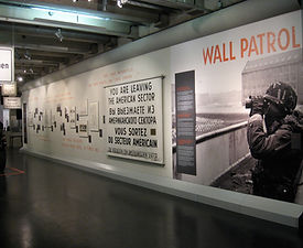 Wall Patrol | tecton Ausstellungsdesign