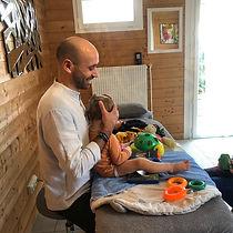 Yan Clavé ostéopathe enfants