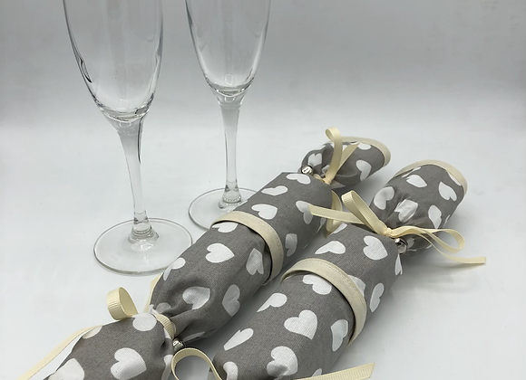 Valentine's Day Crackers - Set of 2 Hearts