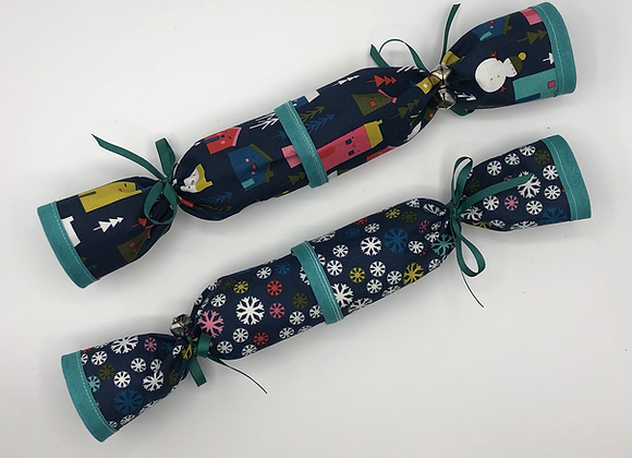 Christmas Crackers set of 2 - Houses & Snowflakes