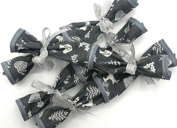 Mini Christmas Crackers set of 4 -Scandi Grey
