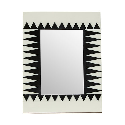 """BLACK AND WHITE ZIGZAG PICTURE FRAME - 5""""X7"""""""