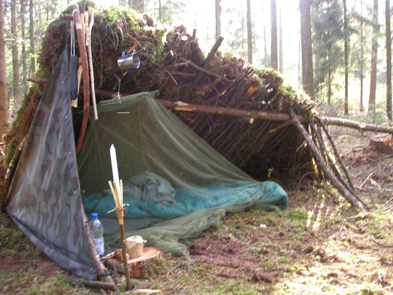 Leun tegen hut