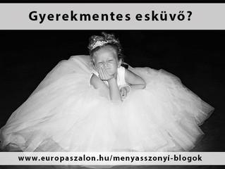 Hogyan szólj a vendégeknek, hogy gyerekmentes esküvő lesz?