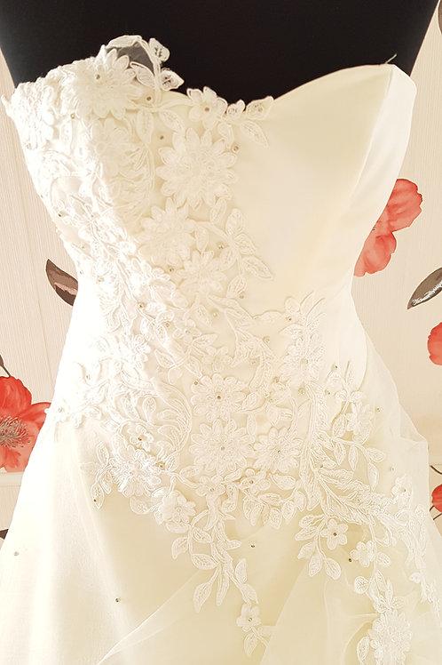 F34 Menyasszonyi ruha