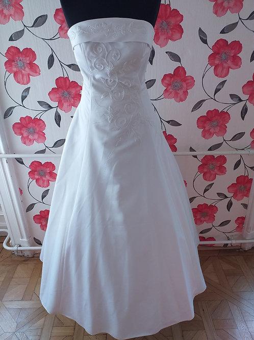 M45 Menyasszonyi ruha