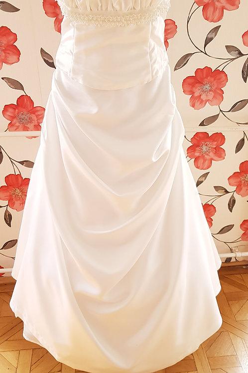 3. Menyasszonyi ruha