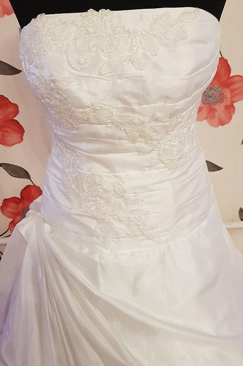 2. Menyasszonyi ruha