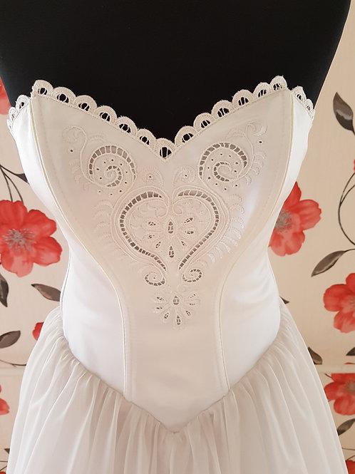 M96 Menyasszonyi ruha