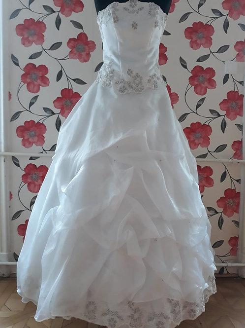 M13 Menyasszonyi ruha
