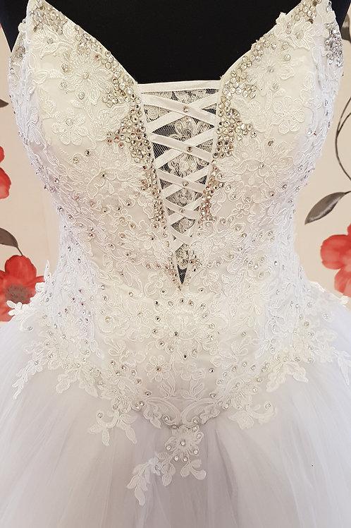 É7 Menyasszonyi ruha