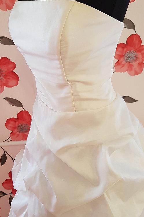 22. Menyasszonyi ruha