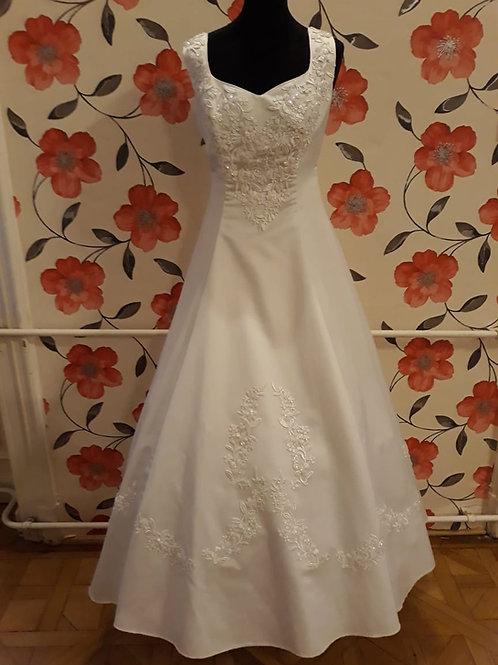 M20 Menyasszonyi ruha
