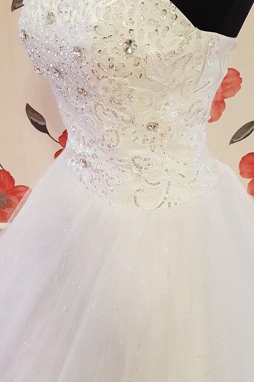 É8 Menyasszonyi ruha