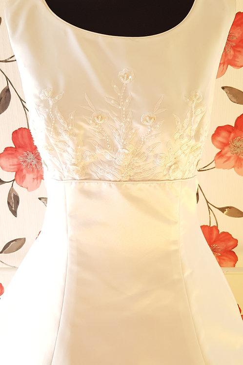 F55 Menyasszonyi ruha