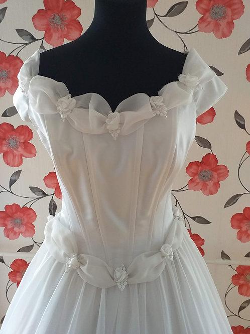 M38 Menyasszonyi ruha