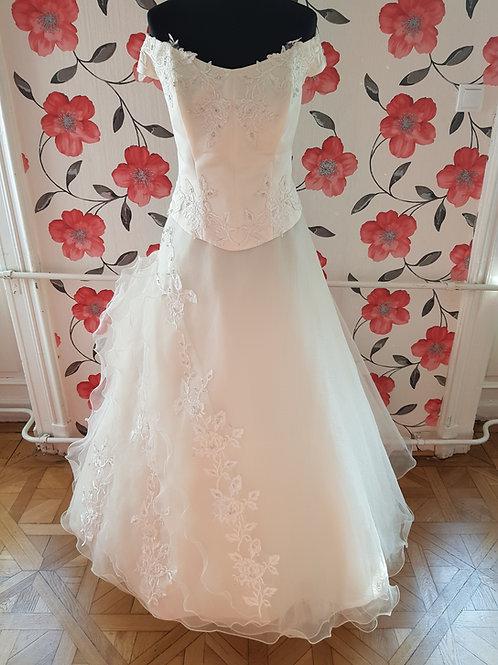 F21 Menyasszonyi ruha
