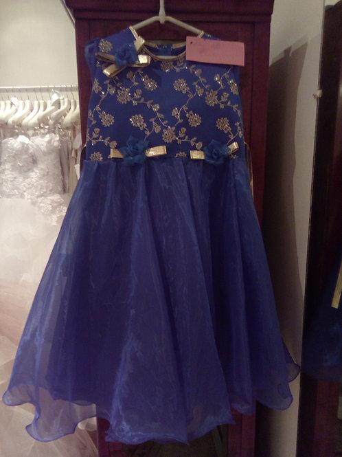 13. Kislány koszorúslány ruha