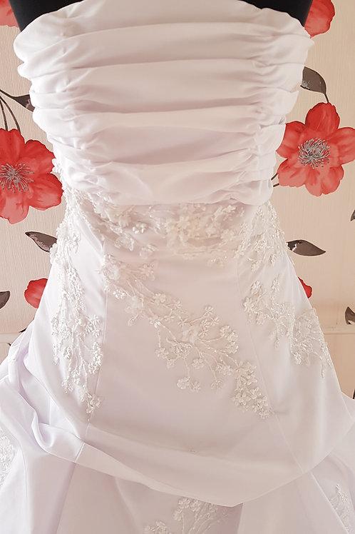F31 Menyasszonyi ruha