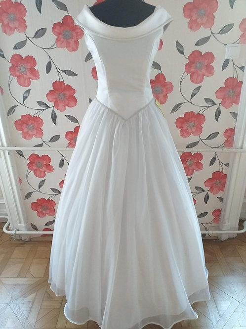 M61 Menyasszonyi ruha