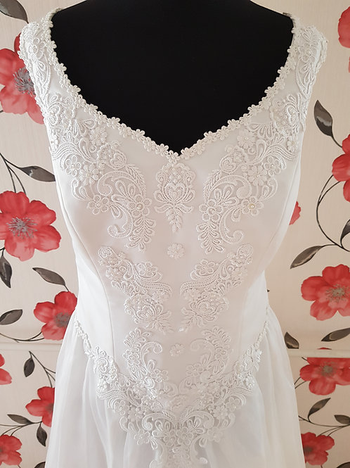 M102 Menyasszonyi ruha