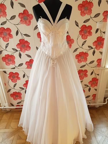 a8da8f9223 Exkluzív Lanesta esküvői ruha kollekció | Európa Ruhaszalon