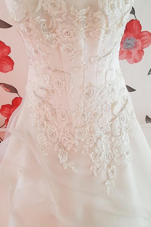 13. Menyasszonyi ruha