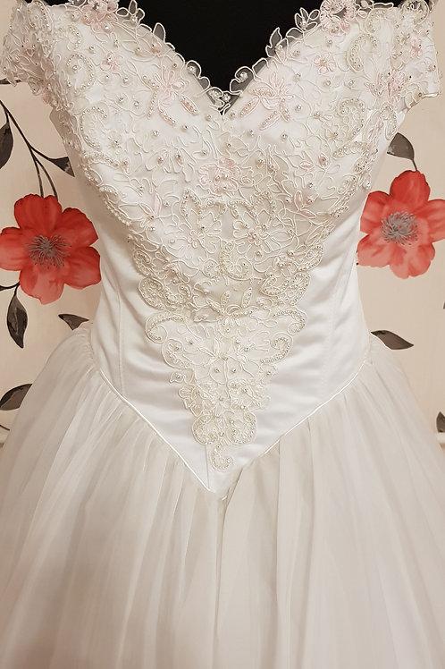 F29 Menyasszonyi ruha