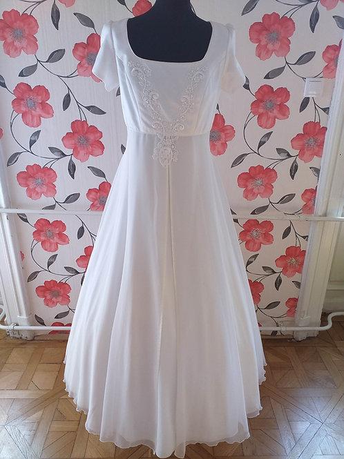 M67 Menyasszonyi ruha