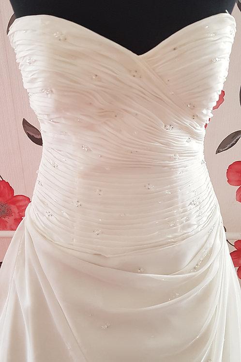 46. Menyasszonyi ruha